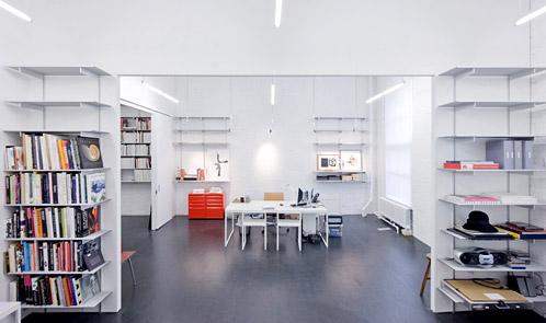 <p class='hname'><a href='http://www.inc.com/ss/worlds-coolest-offices-2010/innovative-functional-flagships'>Atelier Derek Lam</a> | <a href='http://www.inc.com/ss/worlds-coolest-offices-2010/innovative-functional-flagships'>Solid Objectives - Idenburg Liu</a> | New York City | Grand Flagship Headquarters</p>