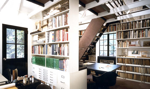<p class='hname'> <a href='http://www.inc.com/ss/worlds-coolest-offices-2010/coolest-home-offices'>Philip Tusa</a> | Croton-on-Hudson, New York | Coolest Home Offices</p>