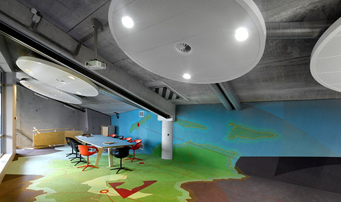 <p class='hname'> <a href='http://www.inc.com/ss/worlds-coolest-offices-2010/coolest-use-space'>Nije Gritenije, Rabobank Heerenveen Gorredijk</a> | <a href='http://www.inc.com/ss/worlds-coolest-offices-2010/coolest-use-space'>FLATarchitects</a> | Heerenveen, Netherlands | Making the Best Use of Space </p>